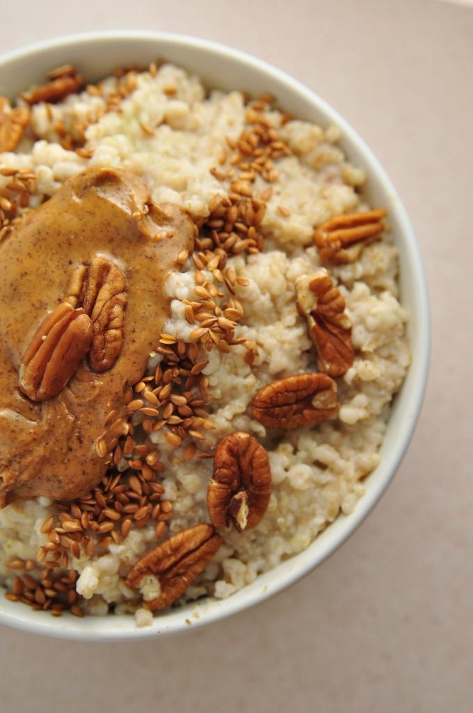 Almond butter pecan bowl 0171