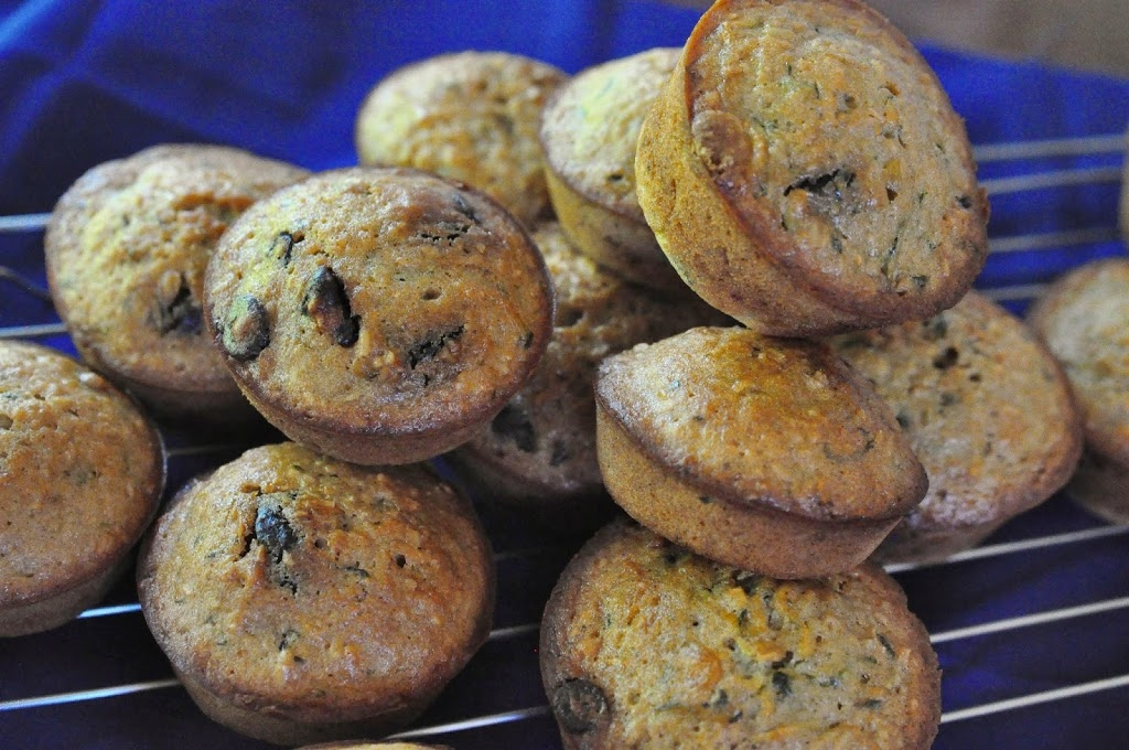 zucchini chocolate chip oatmeal muffins