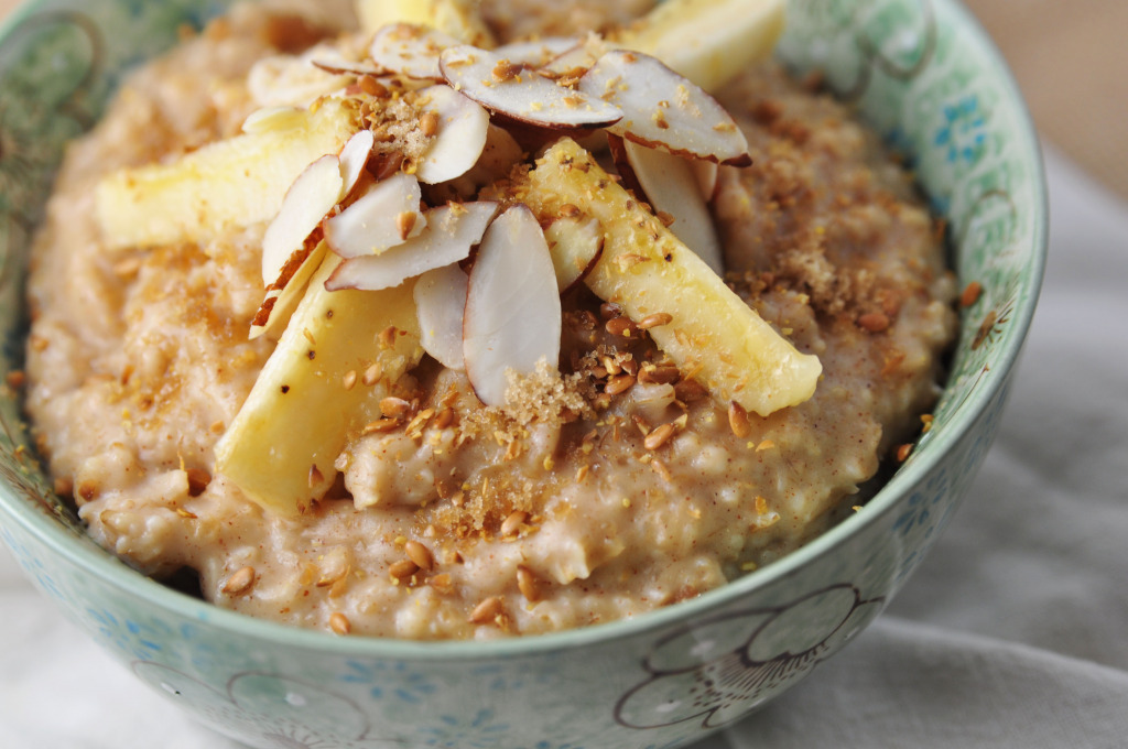 Almond Butter Banana Oatmeal 0277