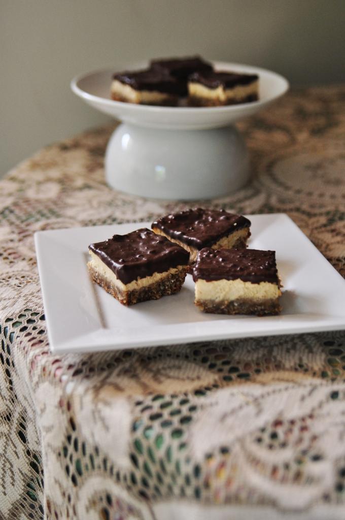 Cheesecake Oatmeal Bars