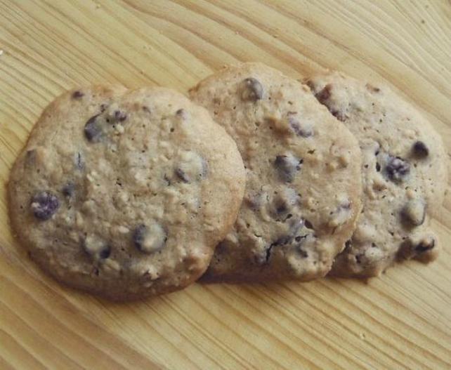 Honey Oat Chocolate Chip Cookies